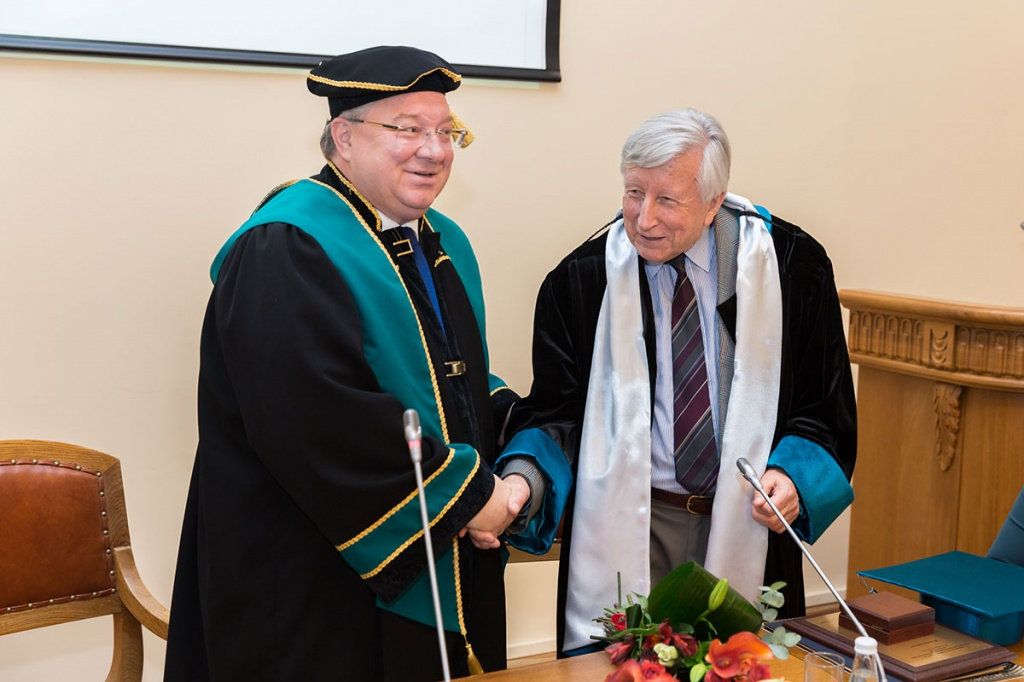 Terence Langdon, Outstanding Scientist, Became Honorary Doctor of SPbPU