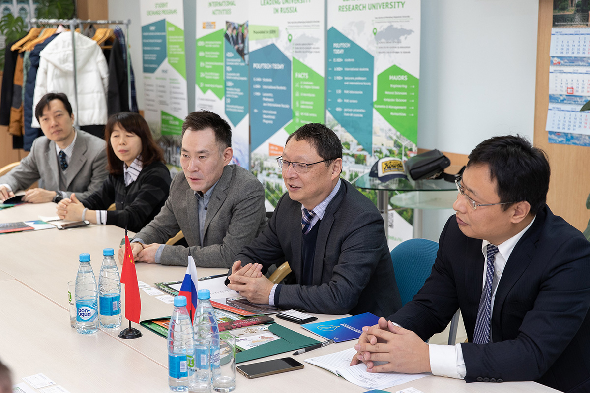 A delegation of the Research Institute of the Shanghai Academy of Sciences visited SPbPU