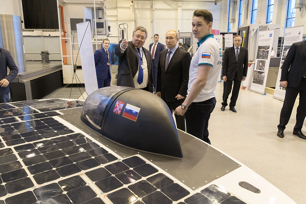 President of the Russian Federation Vladimir Putin visited SPbPU and got familiar with SPbPU scientific breakthroughs