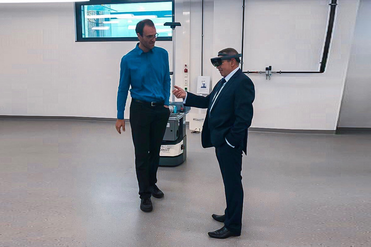 Virtual reality headset is used to see the future laboratory equipment