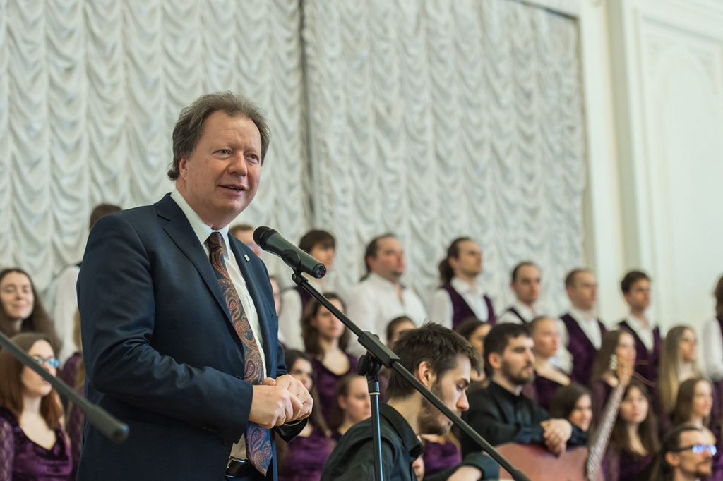 Russian Kalinka and German  Karmina Burana Sounded at the Meeting of Friends in the White Hall