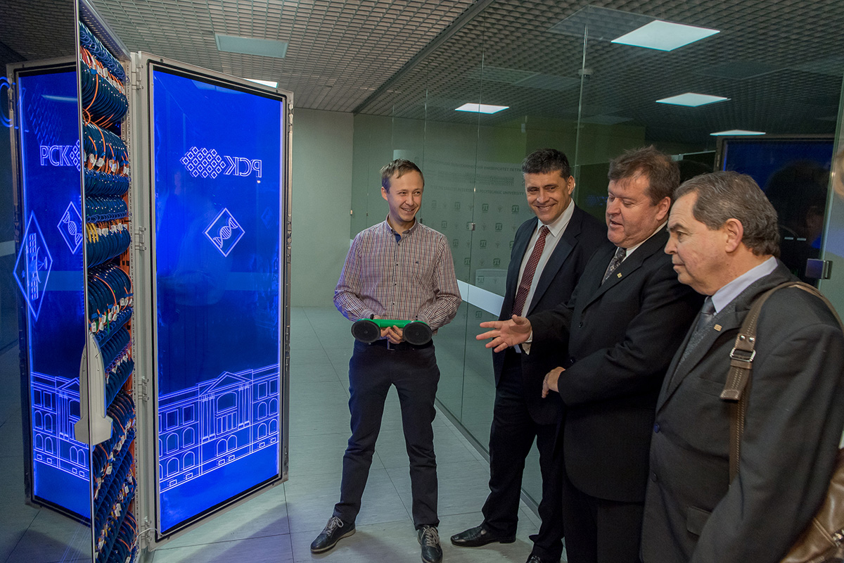 The delegation of the Parana Federal Technological University visited the SPbPU Super Computer Center