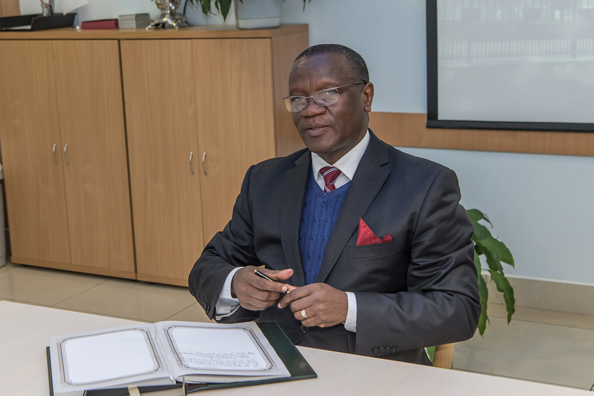 Chancellor Professor Otlogetswe Totolo arrived to SPbPU for the development of cooperation between the two universities