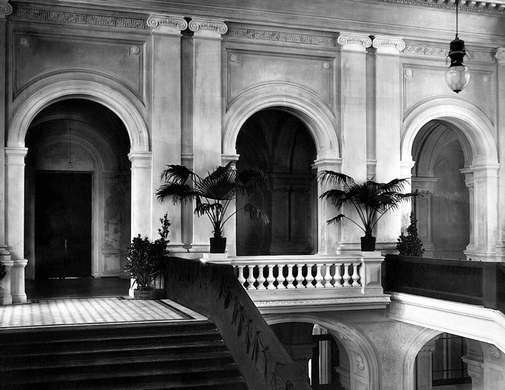 The staircase of the Main Academic Building on the opening day of the Institute. 1902