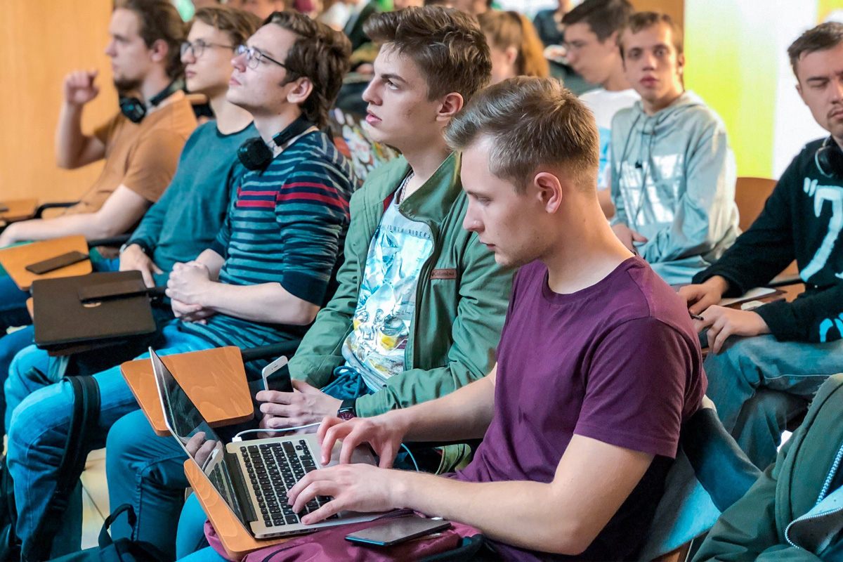 Over 100 people gathered to master programming skills at SPbPU