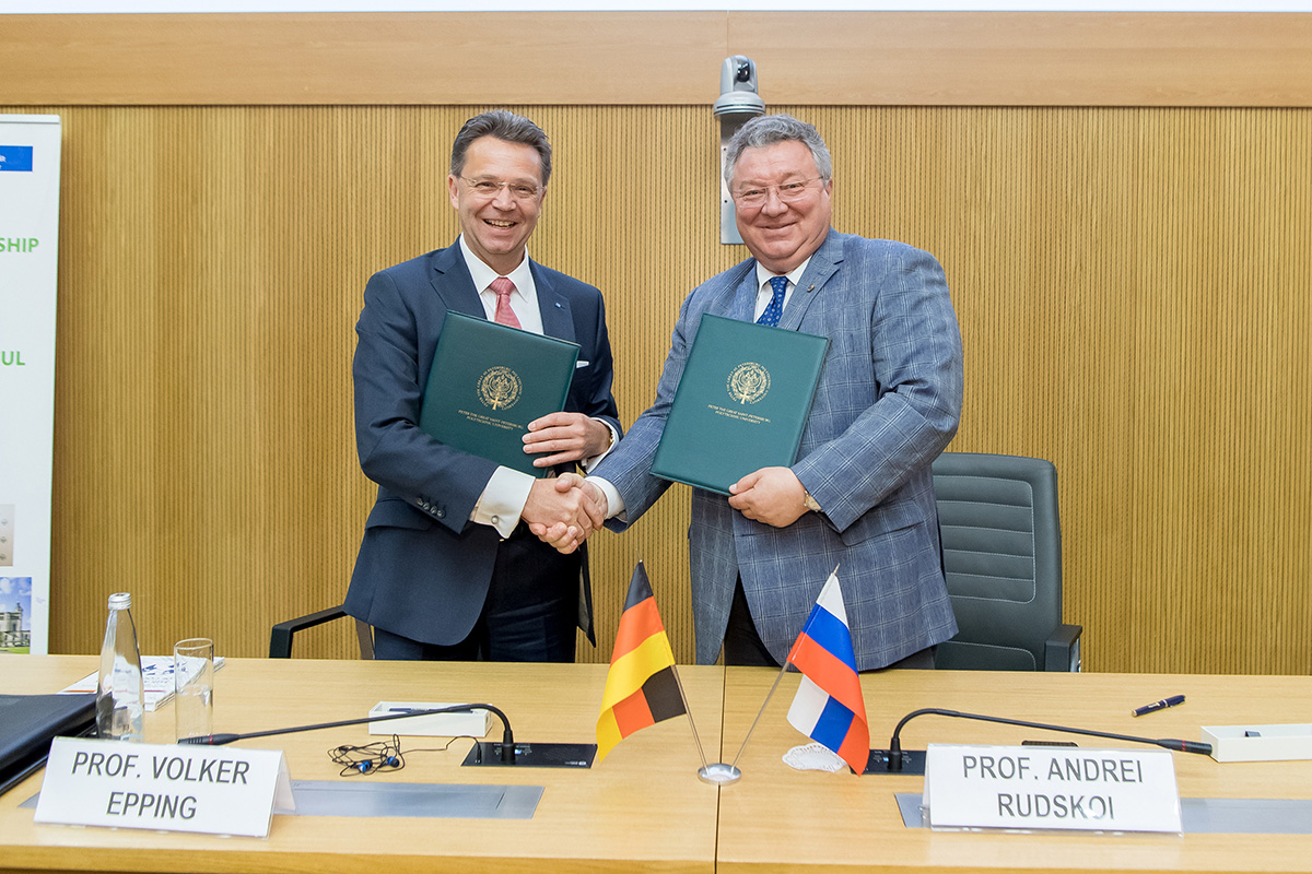 SPbPU Rector Andrei Rudskoi and LUH President Volker Epping signed a new agreement on strategic partnership
