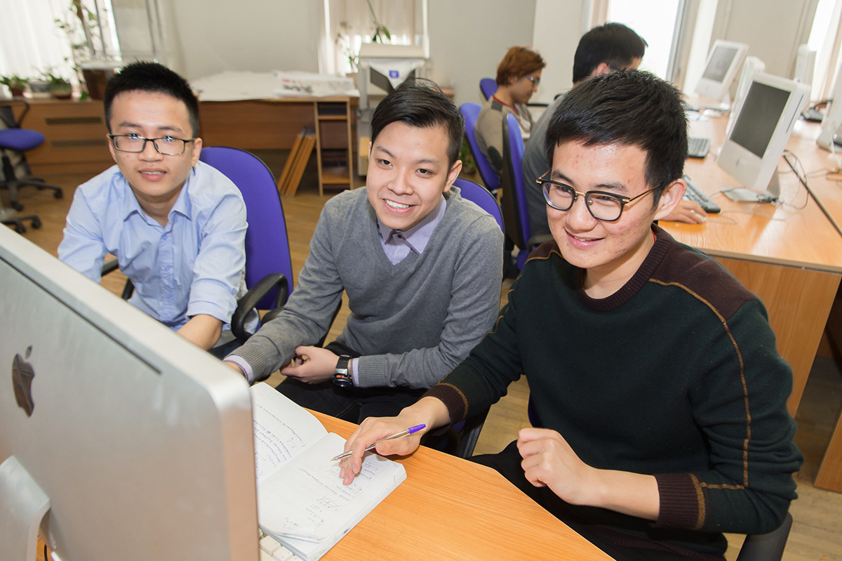 The online defenses of the first group of Bachelor's degree designers were a success