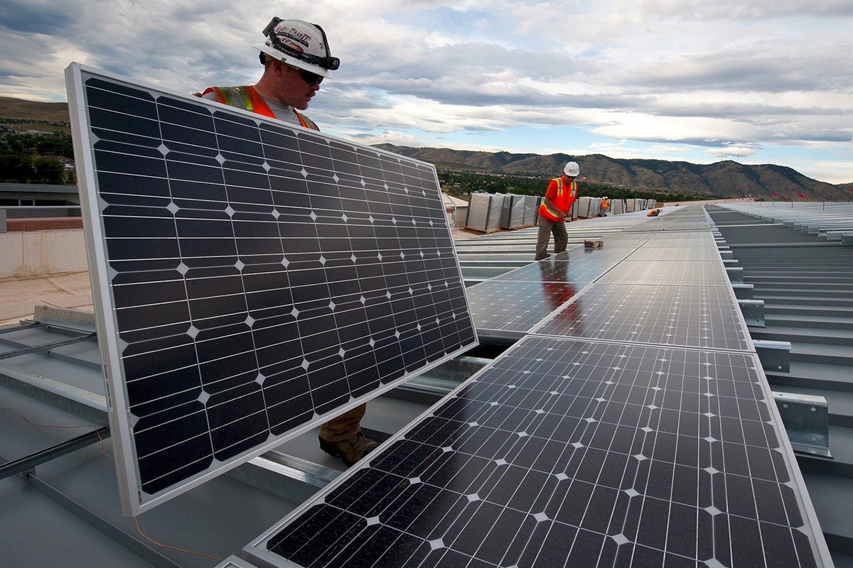 Researchers will help extend solar panels life cycle