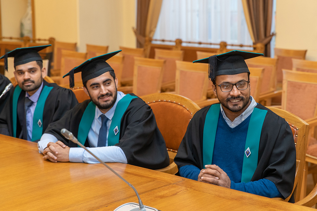 Rector of SPbPU, Academician of the Russian Academy of Sciences Andrei RUDSKOI addressed the students with words of farewell and wishes of new victories and achievements