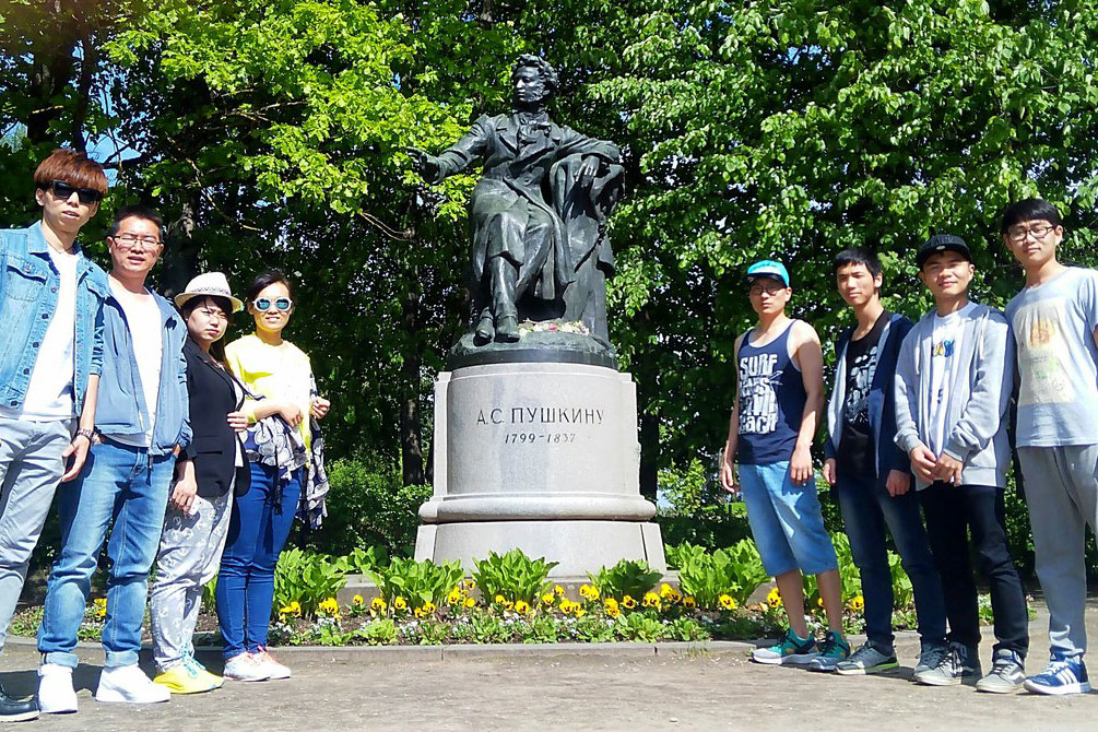 Students from other countries are also interested in everything related to the life and work of Russian poet Alexander Pushkin