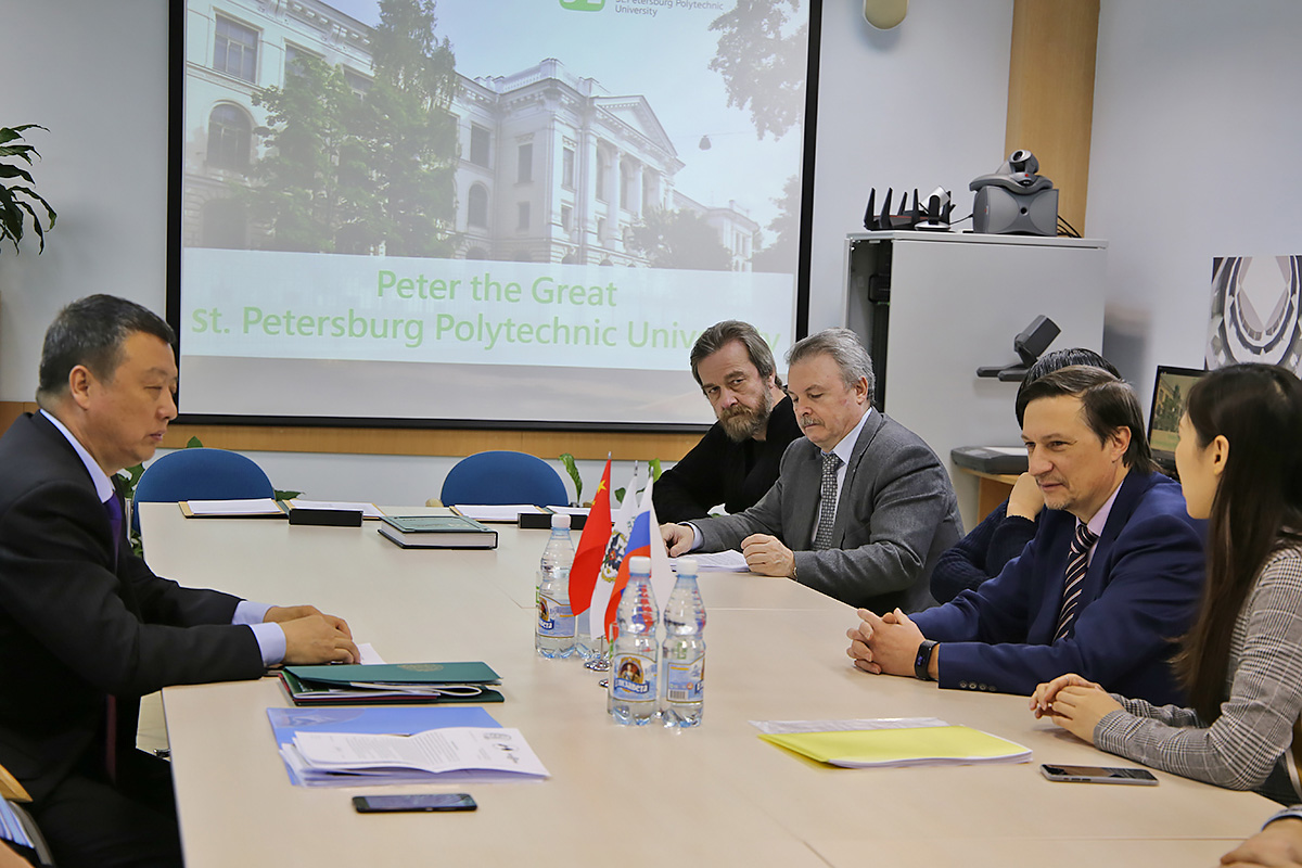 A delegation from the Inner Mongolia Mengkuang Carbene Technology Company visited SPbPU