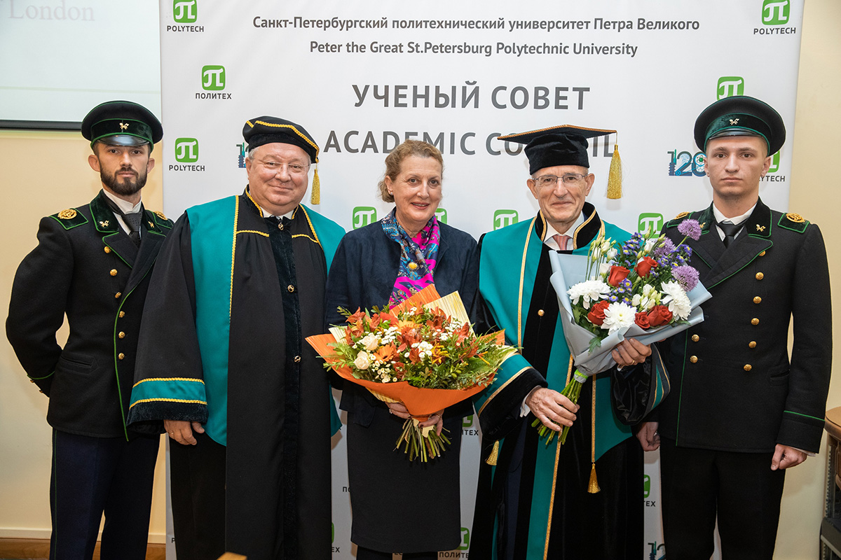 A solemn ceremony was held to award the gown and diploma of SPbPU Honorary Doctor to Sir Paul CURRAN