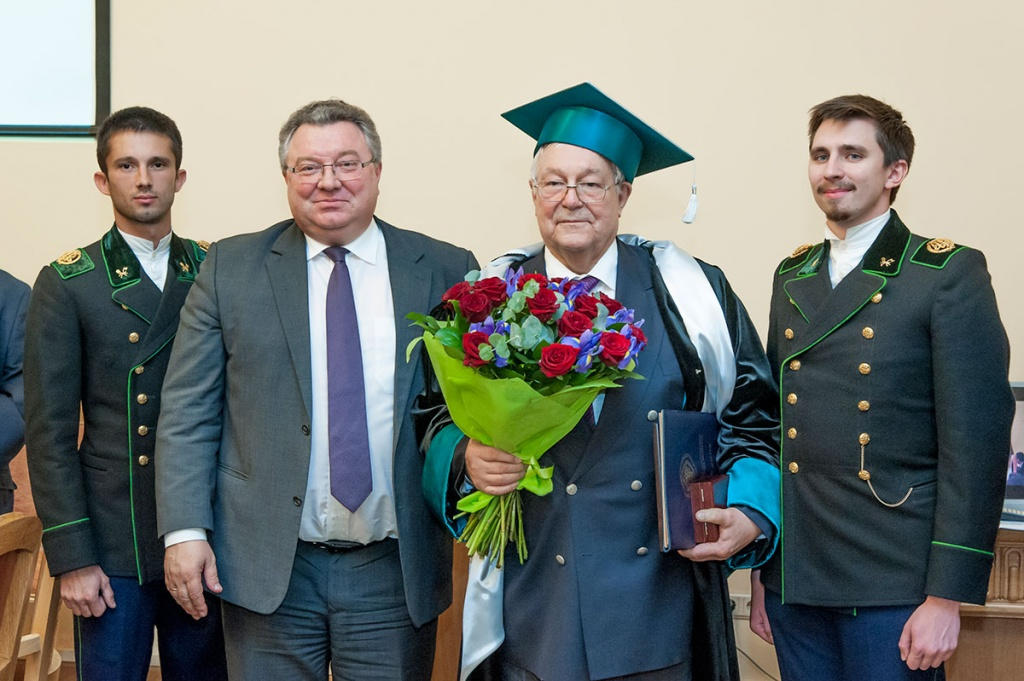 Yu.V. Gulyaev, Academician of the Russian Academy of Sciences, is an Honorary Doctor of SPbPU