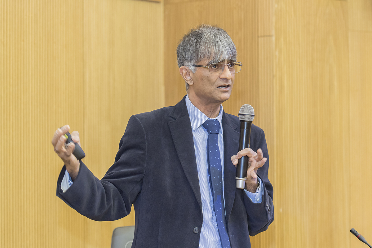 Professor of Cambridge University Sir Harshad Bhadeshia Delivered a Lecture at Polytechnic University