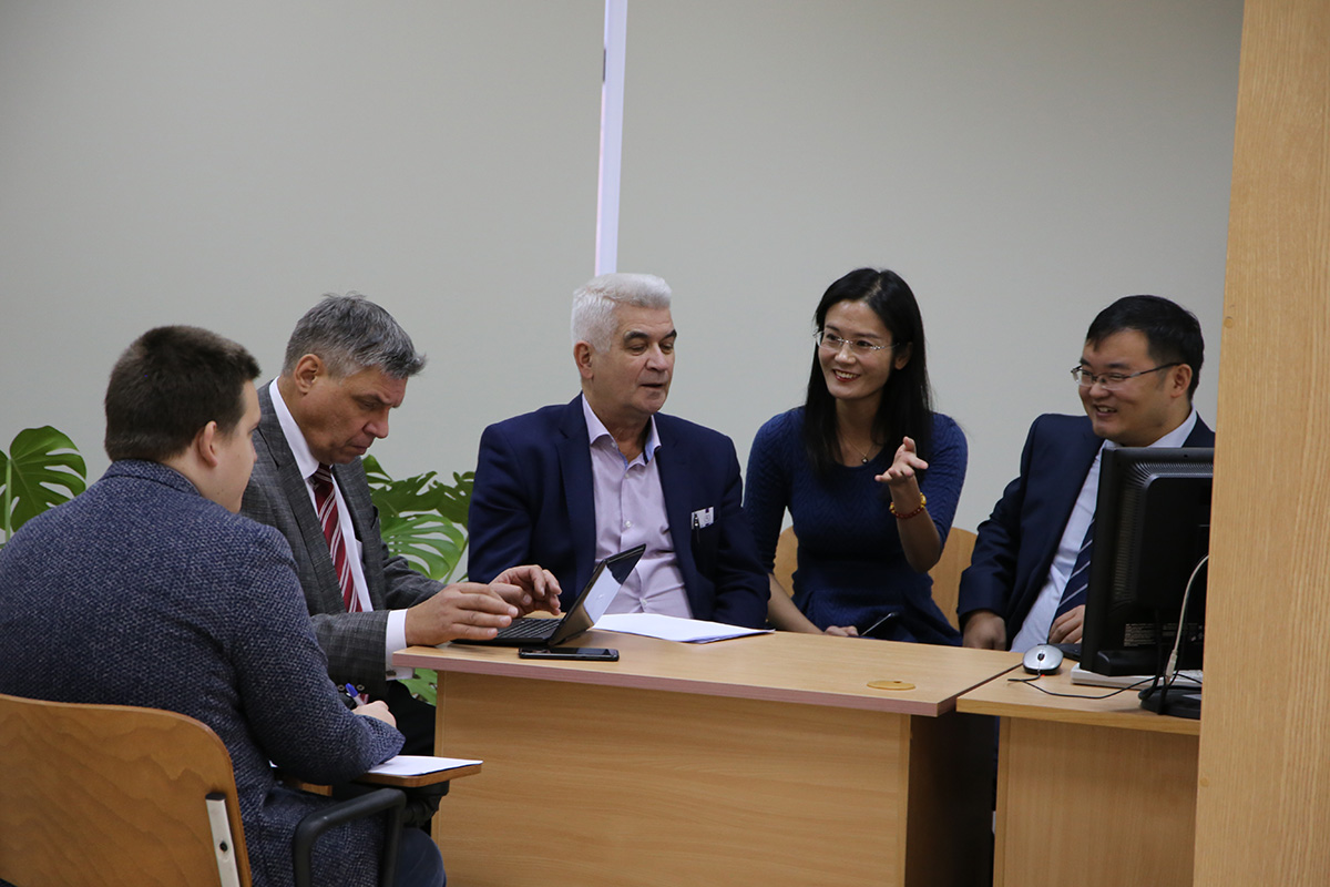 Representatives of the Higher School of Technosphere Safety of the Polytechnic University during a meeting with Chinese colleagues