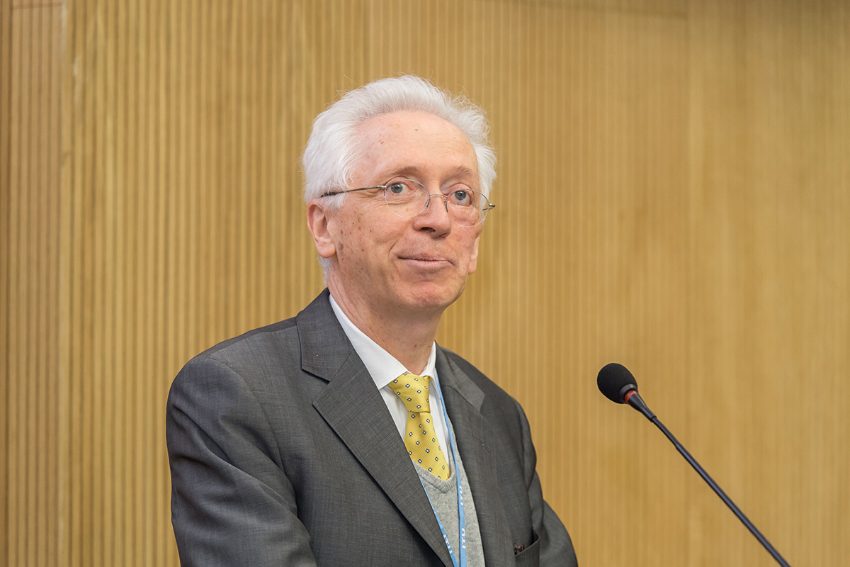 Director of the ITU Radiocommunication Bureau François Rancy singled out a number of key trends and topics of the seminar