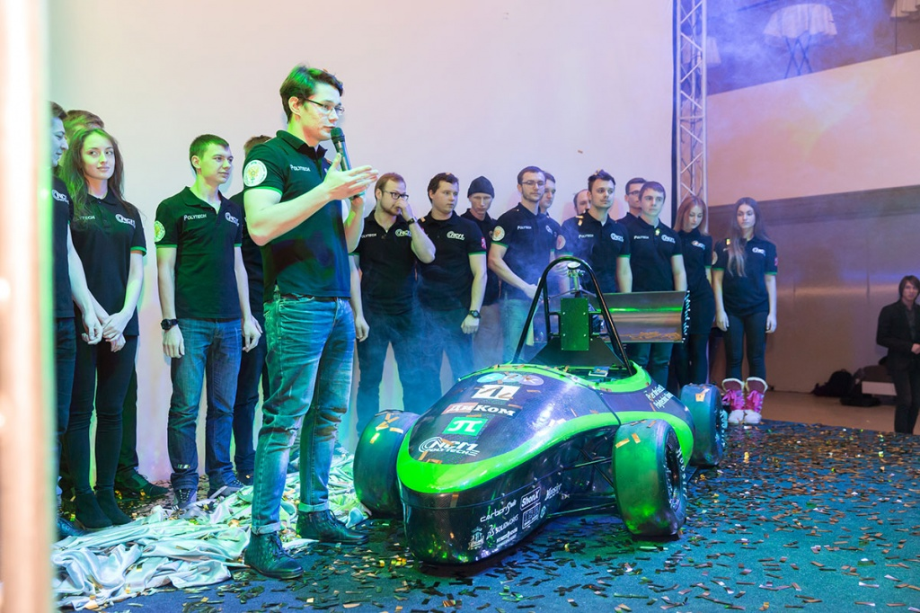 Cuatro, Tres, Dos, UNO: SPbPU students presented their own race car!