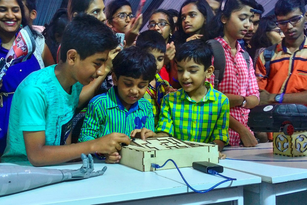 Fab Lab Polytech Presented Its Inventions at Indian Technical Exhibition TECHFEST
