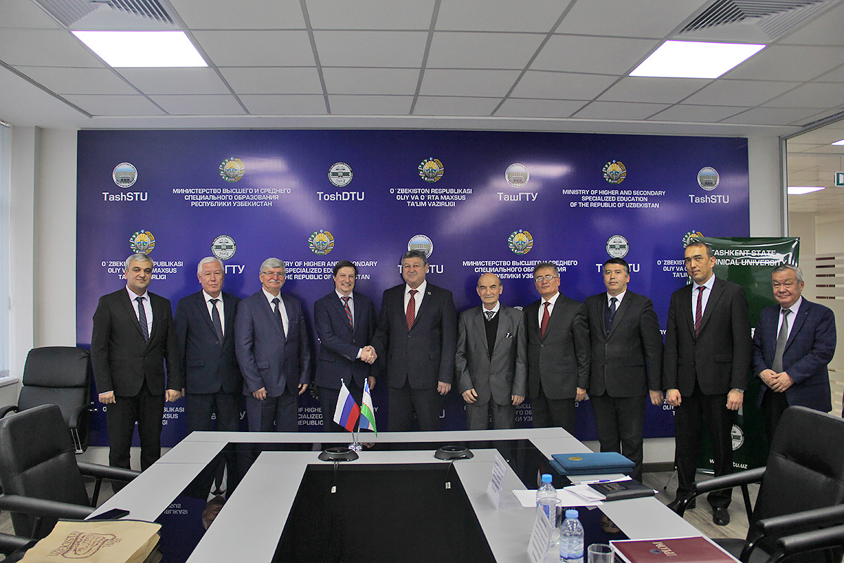 SPbPU signed two partnership agreements within the frames of the Forum
