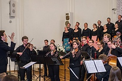 "Russian ""Kalinka"" and German ""Karmina Burana"" Sounded at the Meeting of Friends in the White Hall"